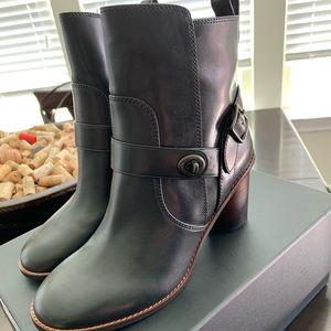 Coach boots size 9